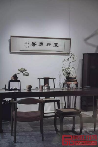 """汲古涵今:区氏家具携手佳士得呈现极致""""当代书房艺术""""展"""
