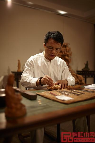 中国工艺美术大师,大家之家总设计师、董事长林庆财