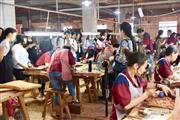 带你走进明清居亚博体育下载苹果雕刻现场,体验手工雕刻之妙境!
