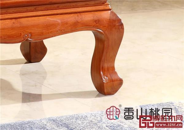 香山桃园——巴花《祥云沙发》腿足细节图