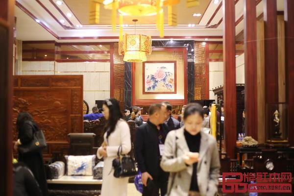 中山红木家具产区举办的行业活动总能吸引全国各地客商慕名而来