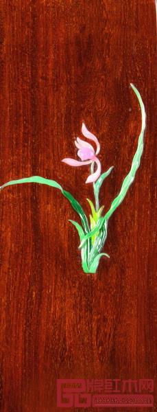 《兰花椅》的设计表现了中国美学中简素与空灵的思想