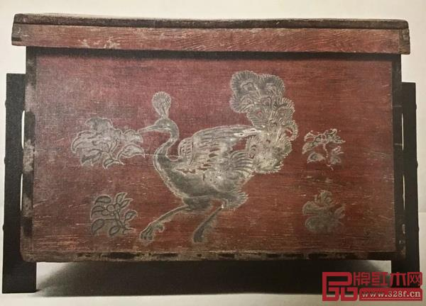 图4赤漆密陀绘云兔柜(日本正仓院藏)