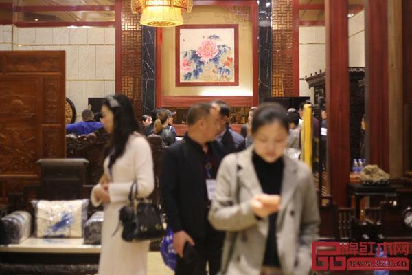 在当前市场形势中亚洲游国际集团,企业与经销商都面临多方压力