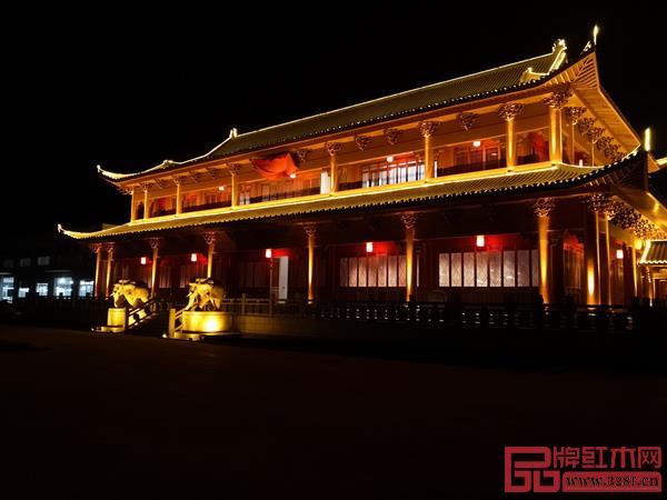 鲁班木艺博物馆夜景