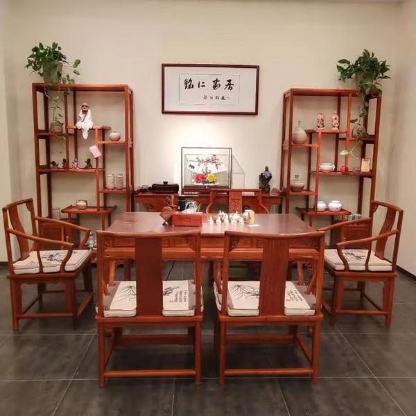 东成千赢国际入口郑州旗舰店内景