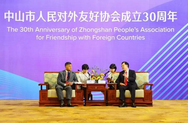 东成千赢国际入口登国际舞台,展大国文化自信