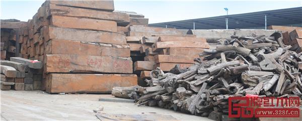 观澜千赢国际入口木材市场是我国高端千赢国际入口原料的重要集散地