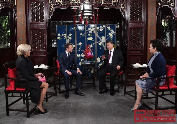 在中法两国元首夫妇会见中,红木家具再次亮相成为一段外交佳话