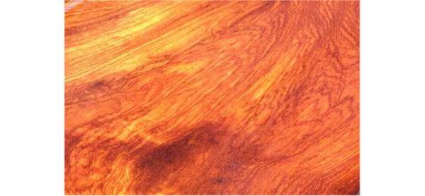 缅甸花梨木色华美,纹理清晰