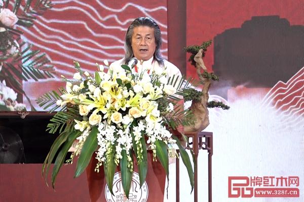 伍炳亮大师在展会开幕式上致辞