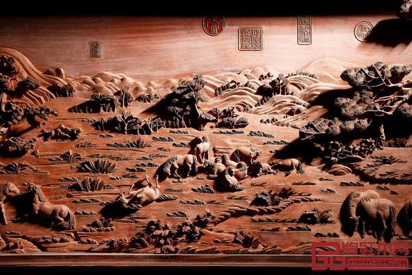 陈戴青大师木雕作品《百骏图》挂屏局部