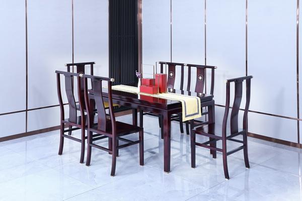 兴成红木·阅见餐桌