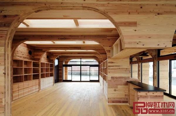 图4_ 木材构筑的室内温馨环境
