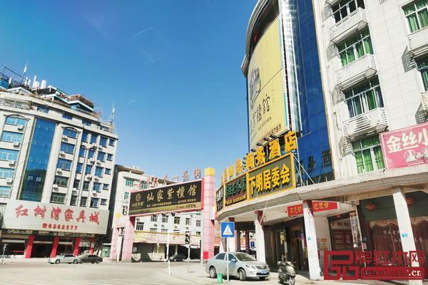 许多仙游红木企业表示,近两年到店的客商少了很多