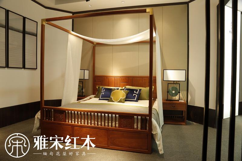 缅甸花梨卧室选择花梨木床睡觉好吗?缅甸花梨床对身体有哪些好处?