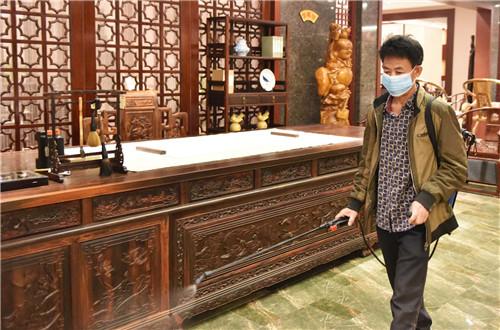 东成红木:积极转型 探索新零售