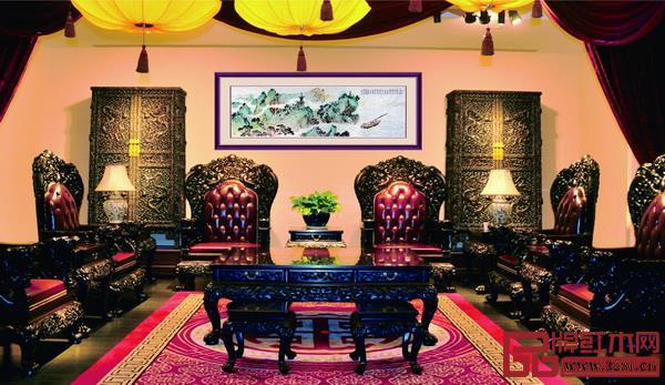 红木家具不仅让别墅更有家的文化氛围,更彰显出精英们的生活情趣