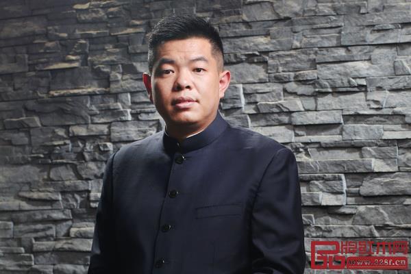 全联艺术红木家具专业委员会主席团主席、广作红木研究院院长、居典红木董事长尹付林
