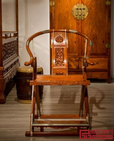名称 / 麒麟纹圆后背交椅  制器 / 红桥红   材质 / 缅甸花梨(大果紫檀)  尺寸 / 长209cm 宽106cm 高79cm