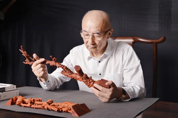 邵湘文大师对于作品的研发十分投入