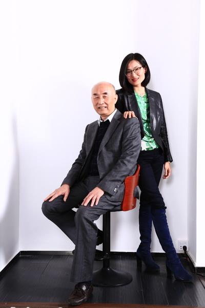 泰和园董事长邵湘文(左)、泰和园总经理邵洁理(右)父女俩合影