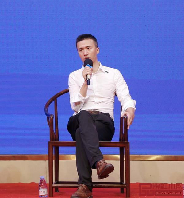 广东省新中式家具设计工程技术研究中心主任陈振益
