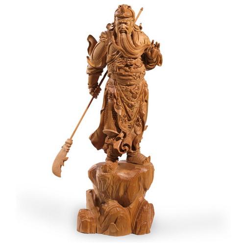林慶財木雕作品——檀香木雕《關公》,該作品于2002年被蘇州工藝美術博物館收藏