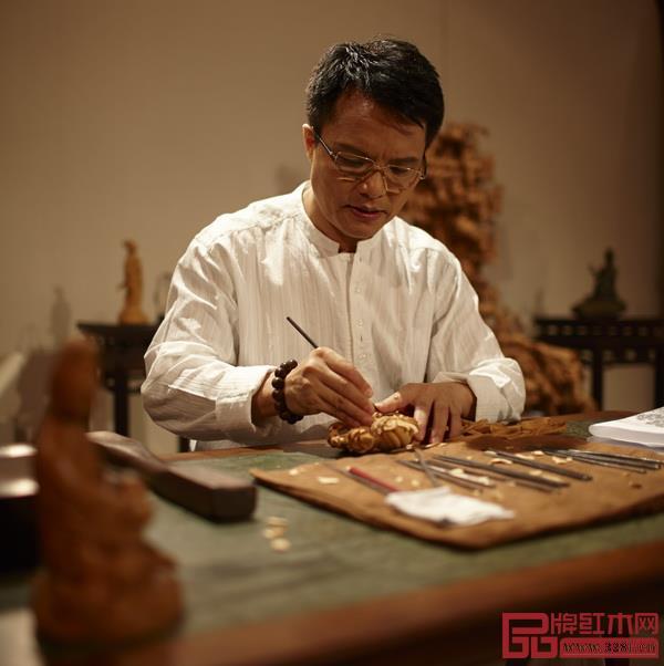 中国工艺美术大师、大家之家创始人、董事长林庆财