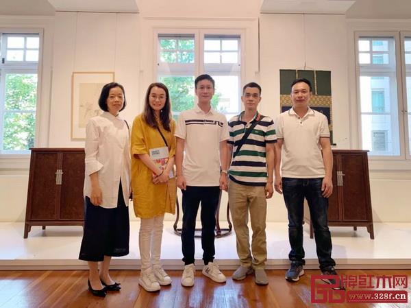 上海佳士得秋季拍卖预展现场