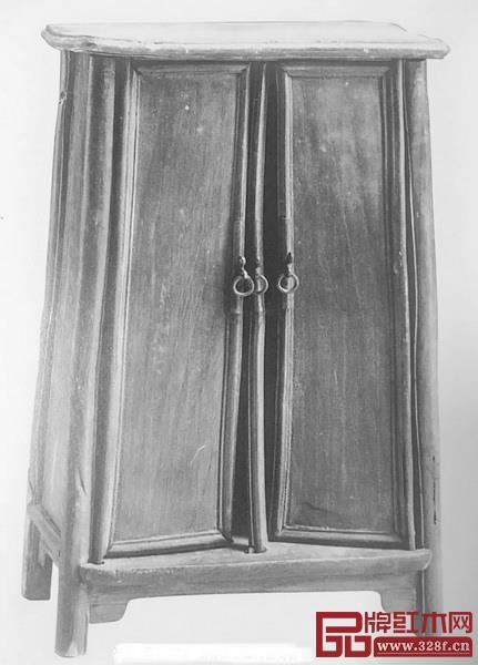 图15明潘允徵墓葬中出土的一对圆角柜明器