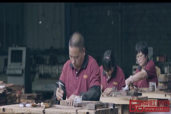 古森红木匠人们用匠心铸造精品