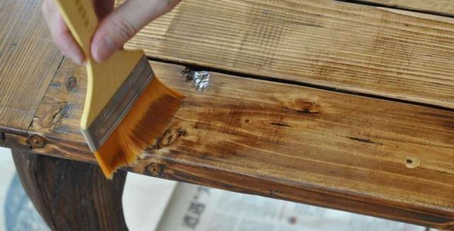 红木家具保养的方法根据表面处理工艺而不同