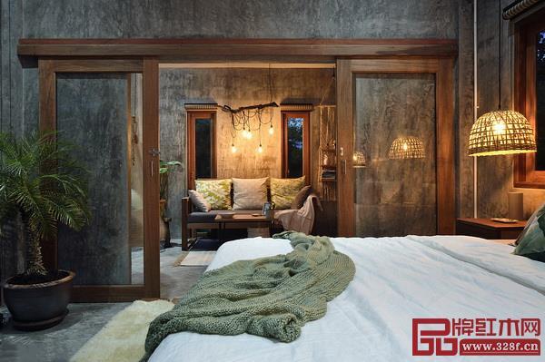 明亮溫暖的木色可以中和工業風格的冷酷單調