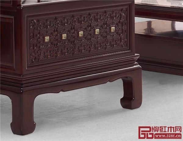 沙发侧面围子采用东阳玉器工.jpg