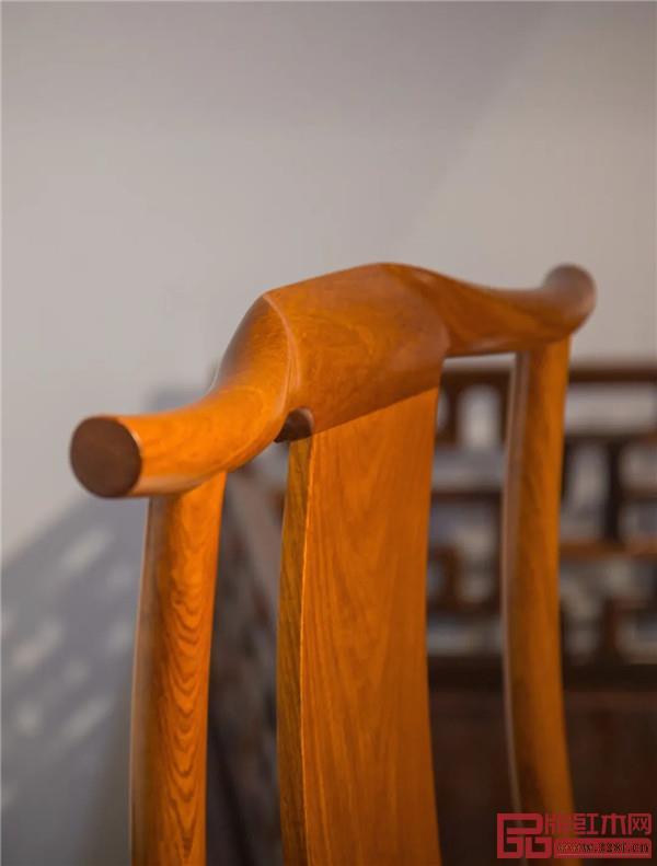 红桥红:灯挂椅