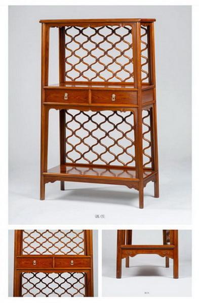 区氏家具 网背格书柜  白酸枝  长:98cm  宽:45cm  高:168cm   A Baisuanzhi Bookcase with mesh back