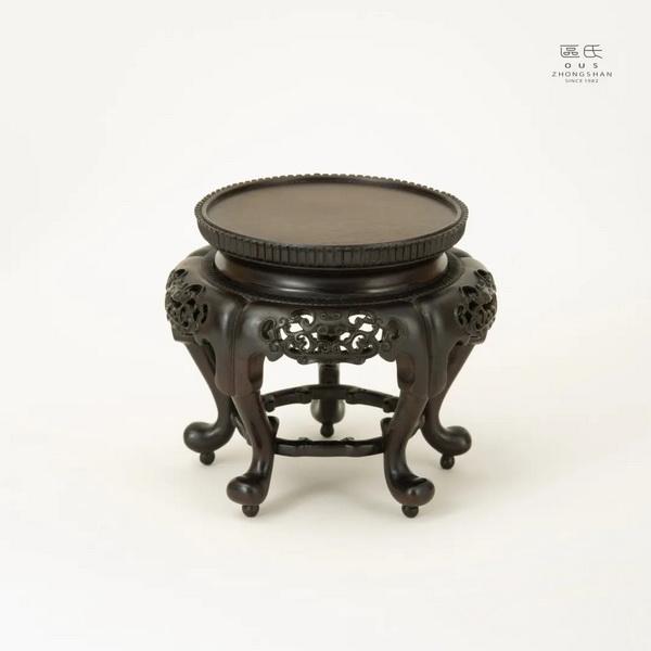 区氏家具 圆香几  小叶紫檀  直径:13.5cm  高:12cm  A Zitan Small round shelf