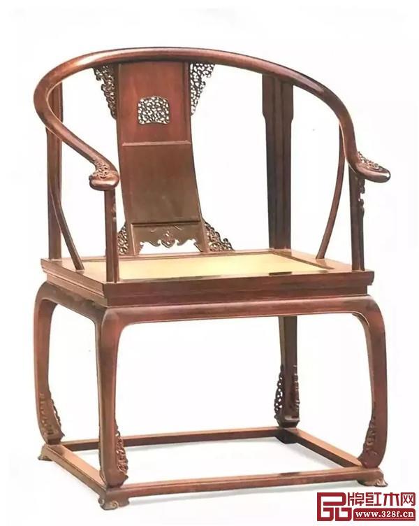 清 紫檀有束腰带托泥透雕卷草纹圈椅