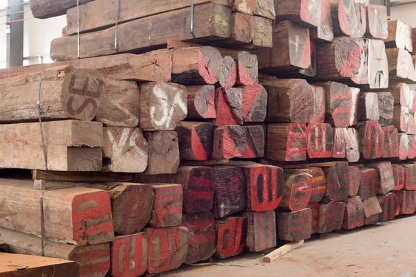 巧夺天工张爱冬:想做精品红木家具必须付出代价