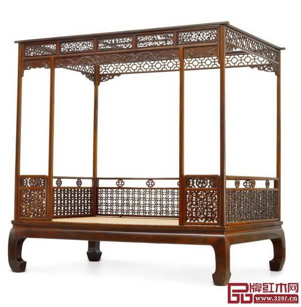 Lot1648 清早期 黄花梨四合如意云龙纹架子床 成交价RMB:16,100,000
