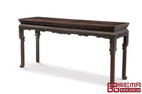 Lot1614 清雍正 御制云蝠纹西番莲大条桌 成交价RMB:14,950,000