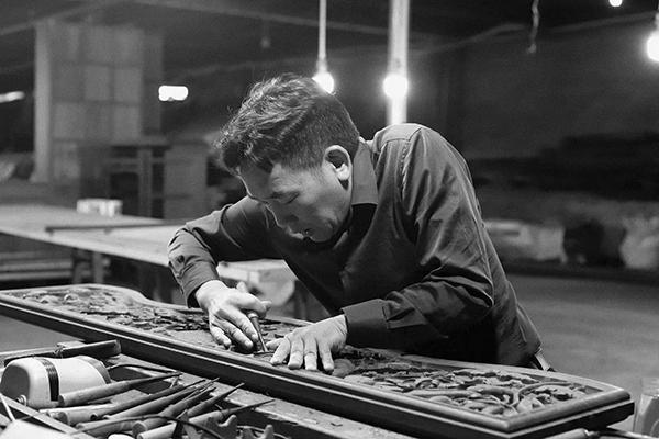 在工藝美術領域,陳新平是名文心匠膽的工藝美術大師