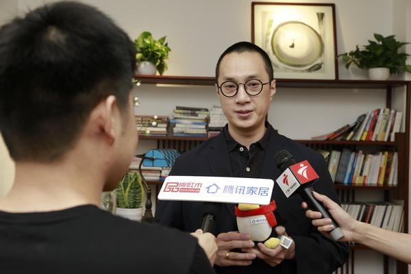 中国著名男低音歌唱家赵鹏盛赞红古轩HiFi音乐会及新中式家具